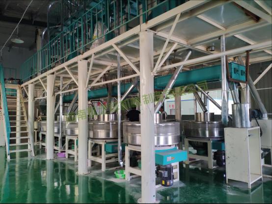 河南南阳日加工20吨石磨面粉机